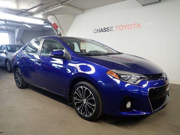 Toyota Corolla S Groupe Amélioré Toit+Mags + Garantie Prolongée 2015
