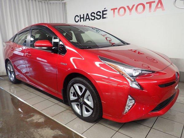 Toyota Prius Touring + Pneus + $2500 d'accessoires 2017