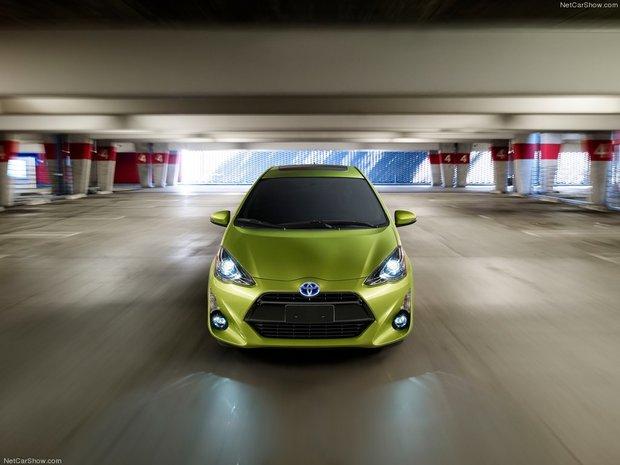 2015 Toyota Prius C : affordable hybrid