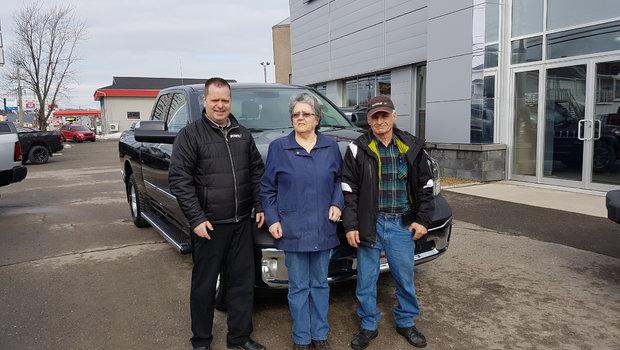 Félicitation à M. Bérubé pour son nouveau camion. M.Bérubé est un client fidèle de Windsor.