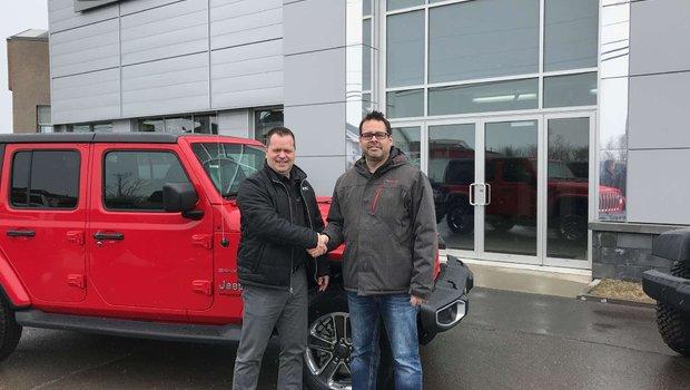 Félicitation à M. Jean-Daniel Michaud pour l'achat du tout nouveau Jeep Wrangler JL commandé sur mesure pour notre client.