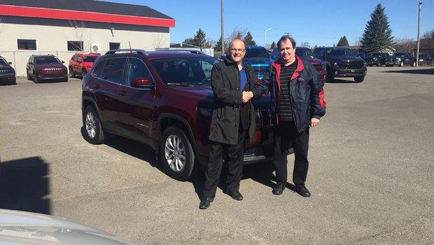Félicitation à M. Jean Bossé pour son achat du nouveau Jeep Cherokee 2019.