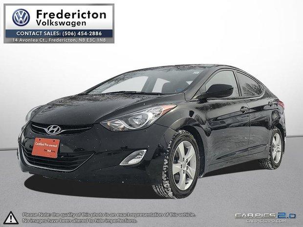 Captivating 2013 Hyundai Elantra GLS At