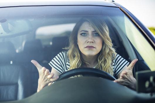 Cinq comportements qui agacent le plus sur la route
