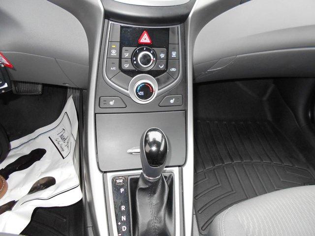 Hyundai Elantra GL 2014 TRÈS PROPRE