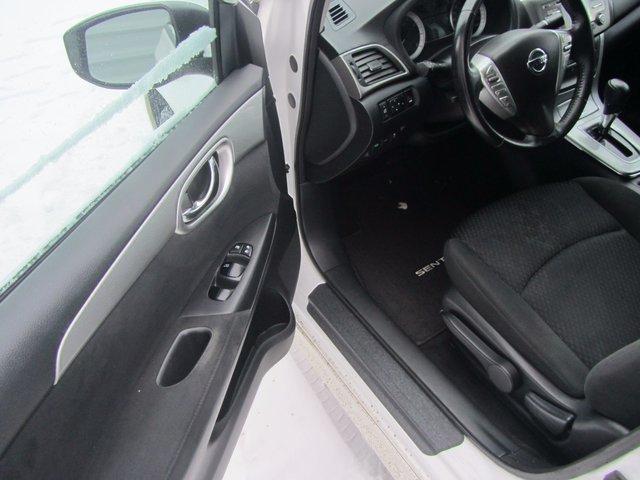 Nissan Sentra  2013 TRES PROPRE
