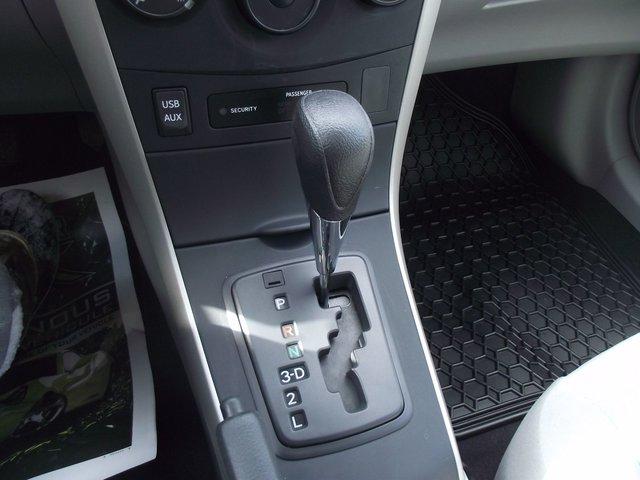 Toyota Corolla CE 2013 BAS KM