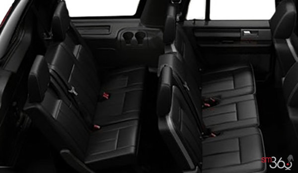 2017 Ford Expedition PLATINUM | Photo 2 | Ebony Leather with perforated inserts and Agate Tuxedo Stripe