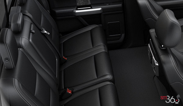 2018 Ford Chassis Cab F-450 LARIAT | Photo 2 | Black Premium Leather Captain's Chairs (5B)
