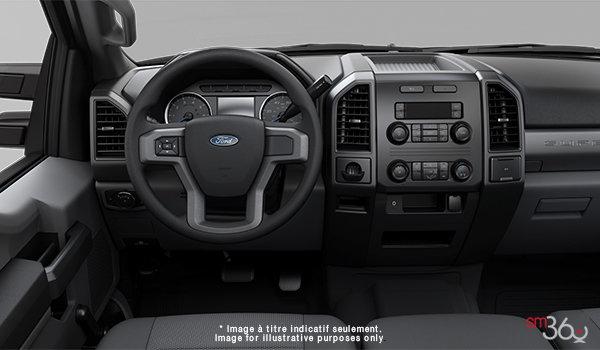 2018 Ford Chassis Cab F-450 XL   Photo 3   Medium Earth Grey HD Cloth (4S)