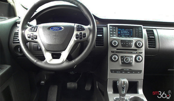 2018 Ford Flex SE | Photo 3 | Charcoal Black Cloth