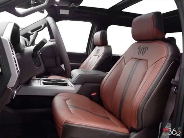2018 Ford Super Duty F-450 KING RANCH | Photo 1 | Unique King Ranch Java Kingsville Brown Leather Captain's Chairs (SP)