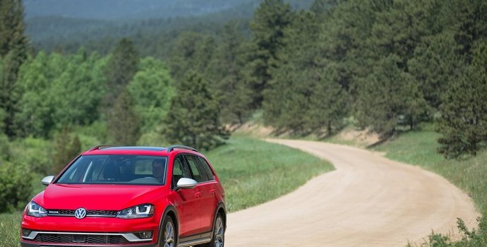 Volkswagen Alltrack Named Canadian Vehicle of the Year