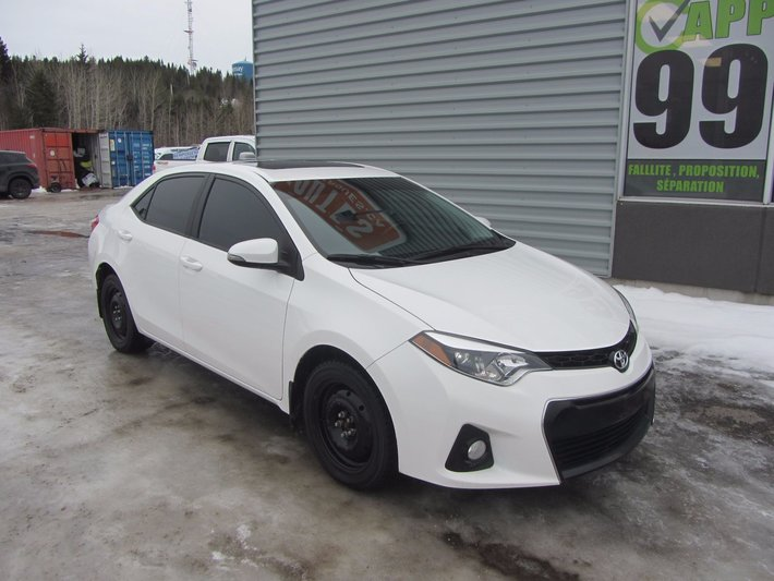 toyota corolla 2016 cuir toit ouvrant d 39 occasion alma inventaire d 39 occasion alma nissan. Black Bedroom Furniture Sets. Home Design Ideas