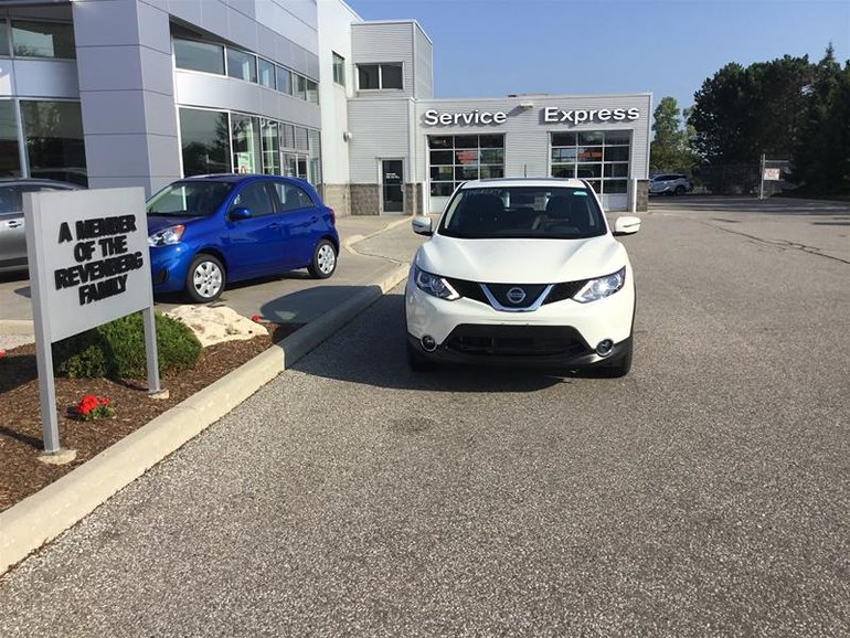 2018 Nissan Qashqai SV FWD CVT (2)